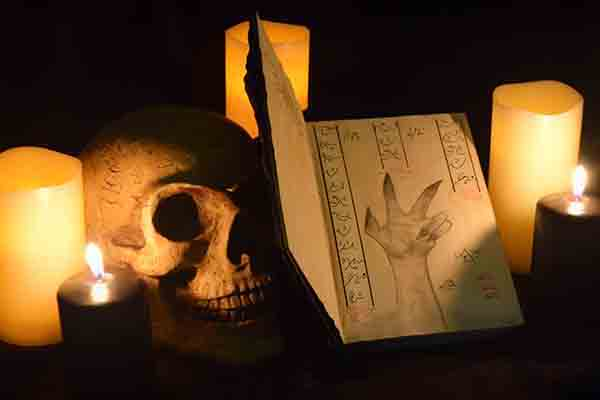 Detective of the Dead Essen, Grusel Events in Essen, Emmerich Events Essen, Horror Events Essen, Teamevent in Essen, Halloween in Essen