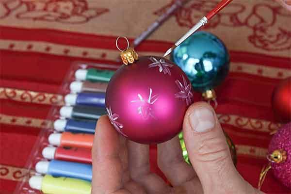 Weihnachtskugeln bemalen, Weihnachtsfeier, Firmen-Weihnachtsfeier, Weihnachtsevent, Weihnachtsevent, Teambuilding, Firmenfeier, Firmenevent