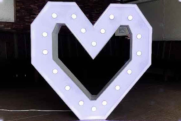 LED Herz mieten, XXL Buchstaben. Eventdeko Verleih, XXL Herz mieten, Hochzeitsdeko