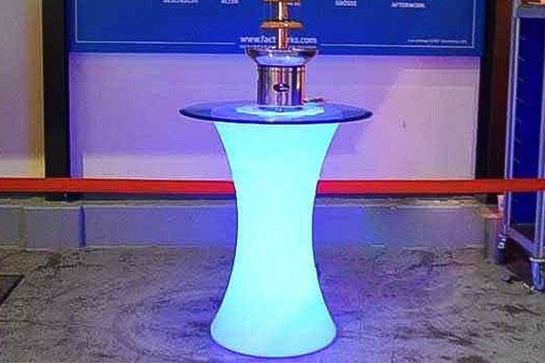 LED Tisch mieten, LED Tisch Verleih, Eventtechnik, Hochzeitstechnik, Emmerich Events Verleih