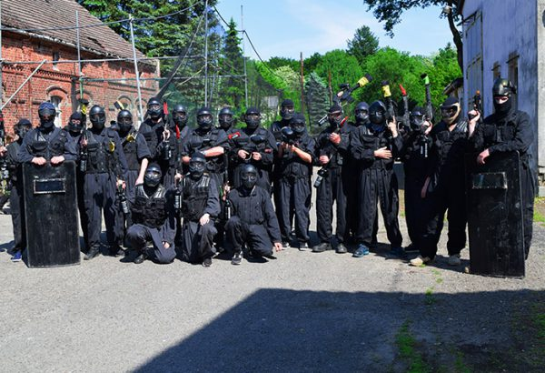 Junggesellenabschied in Berlin Swat Training, Junggesellenabschied Berlin, Junggesellinnenabschied in Berlin, Männerabend Berlin, Action Events Berlin, Horror Events Berlin, Grusel Events Berlin