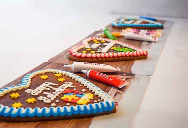Lebkuchenherz gestalten, die Weihnachtsfeier Emmerich Events
