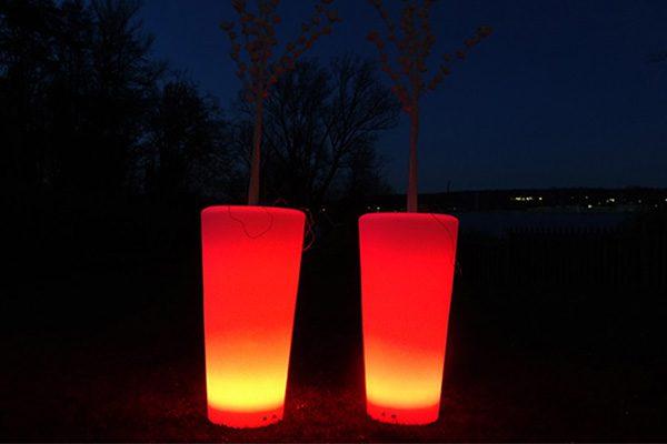 Leuchtende Kübel RGB mieten, eleuchtende Dekoration mieten, Emmerich Events