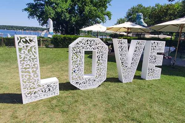 Veranstaltungstechnik mieten Berlin, XXL Love Buchstaben mieten, Hochzeitsdekoration mieten, Emmerich Events