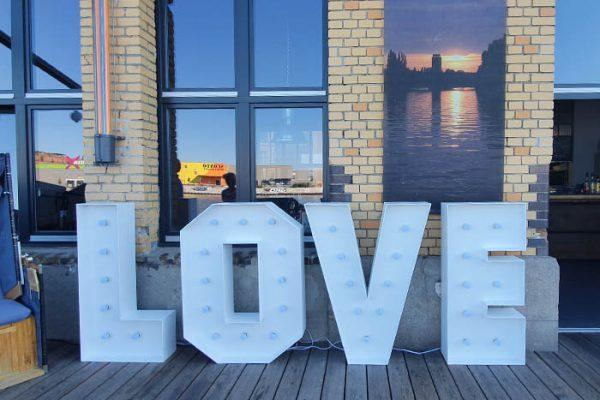Veranstaltungstechnik mieten, Love Buchstaben mieten, Hochzeitsdekoration mieten, Emmerich Events