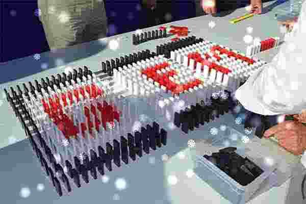 Weihnachtsdomino in Berlin, Weihnachtsfeier - Emmerich Events - Teamuilding Berlin - Firmenevents