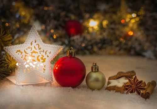 Weihnachtskugeln bemalen in Hamburg - die Weihnachtsfeier in Hamburg, Weihnachtsfeier Hamburg, Weihnachtskugeln bemalen Hamburg, Weihnachtsfeier Hamburg, Weihnachtsfeier, Emmerich Events