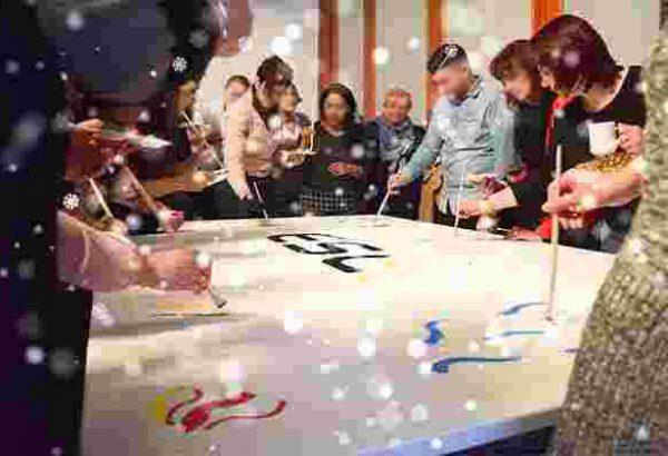 Weihnachtskunstwerk in Düsseldorf, Weihnachtsfeier in Düsseldorf, Weihnachtsfeier Düsseldorf, Emmerich Events Düsseldorf, Teambuilding Düsseldorf, Weihnachtsevents in Düsseldorf