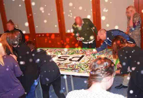 Weihnachtskunstwerk in Düsseldorf, Weihnachtsfeier in Düsseldorf, Weihnachtsfeier Düsseldorf, Emmerich Events in Düsseldorf, Teambuilding Düsseldorf, Weihnachtsevents in Düsseldorf